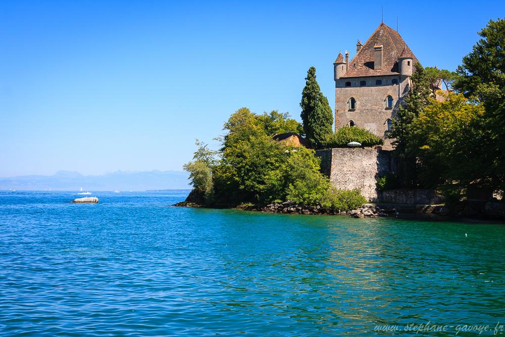Château d'Yvoire depuis l'embarcadère sur le lac Léman